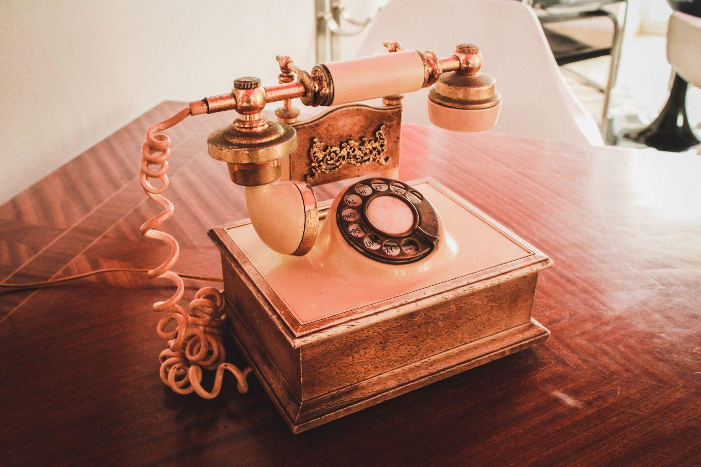 ancien téléphone pour améliorer sa relation clients